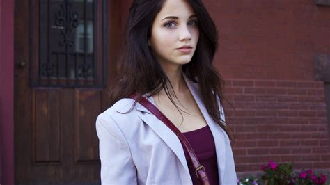 cute wallpapers emily cute emily rudd 23824 2048x1152 px hdwallsource com