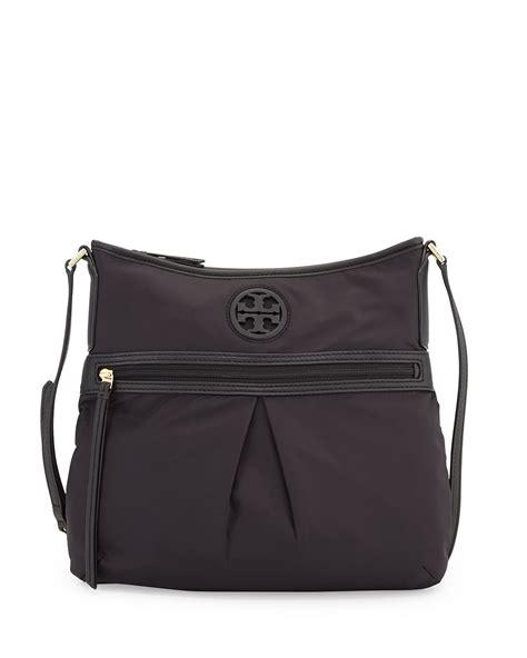 swing pack tory burch swing pack shoulder bag in black lyst