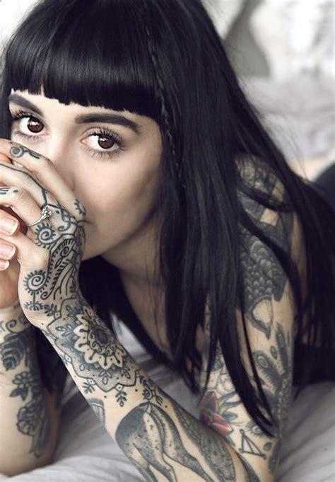 oltre 25 fantastiche idee su donne tatuate su oltre 25 fantastiche idee su donne tatuate su tatuaggio per spalla tatuaggi a