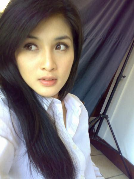 gambar panas artis indonesia foto cewek cantik cewek seksi foto artis panas januari