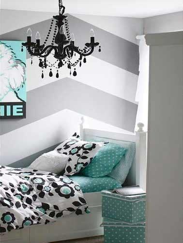 Incroyable Deco Chambre Jeune Fille #2: Une-chambre-ado-fille-avec-deco-geometrique-378x500.jpg