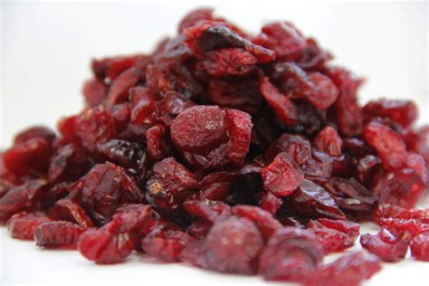 Dried Cranberry Fruit 6 health benefits of dried cranberries the luxury spot