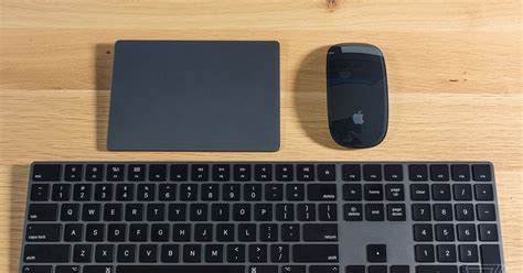 apple  selling  space gray accessories