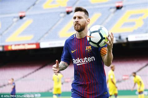 barcelona striker lionel messi hasn t yet signed contract lionel messi contract why he still hasn t signed new deal