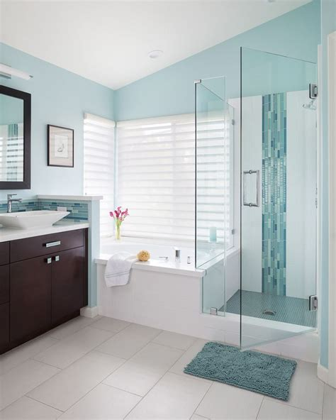 Blue Color Bathroom by Best 25 Blue Bathrooms Ideas On Blue Bathroom