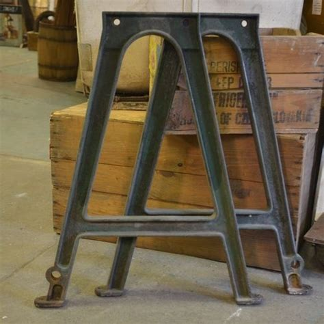 cast iron table legs 27 best tables images on arquitetura dining room tables and dining tables
