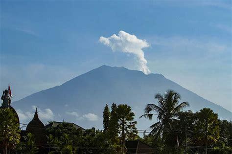 bali volcano update  mount agung  brink  eruption