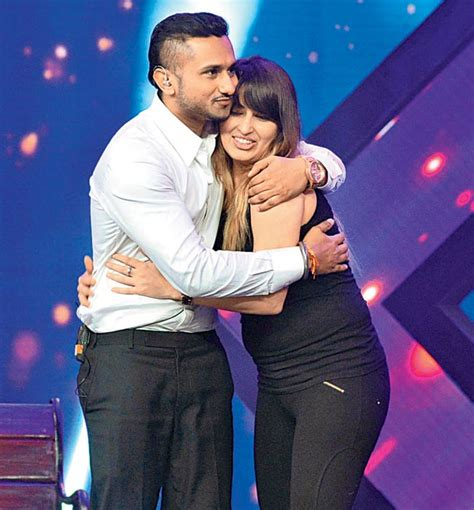 pics on honey singh n his wife honey singh s wife steps out entertainment