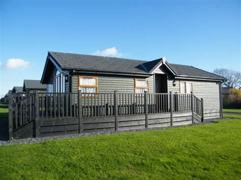 three bedroom mobile homes for sale 3 bedroom mobile home for sale in killigarth manor looe