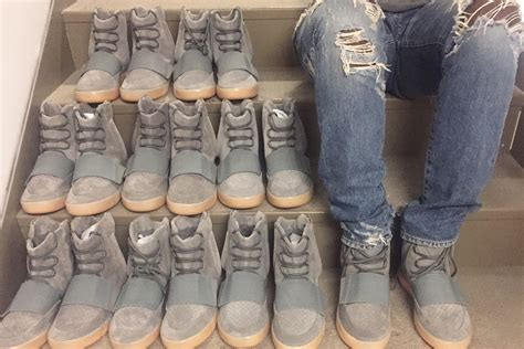 best sneaker resellers best sneaker resellers 28 images government contractor