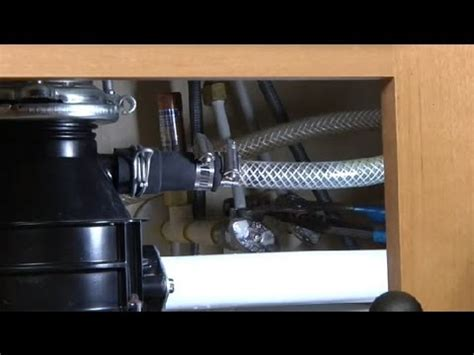 Kitchen Sink Supply Lines by How To Disconnect Water Supply Lines In Kitchen Sinks