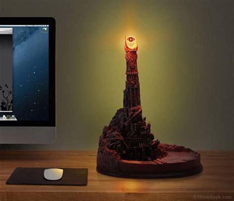 Eye Of Sauron Desk Lamp by Lumin 225 Ria Olho De Sauron R 233 Plica Da Torre Negra De