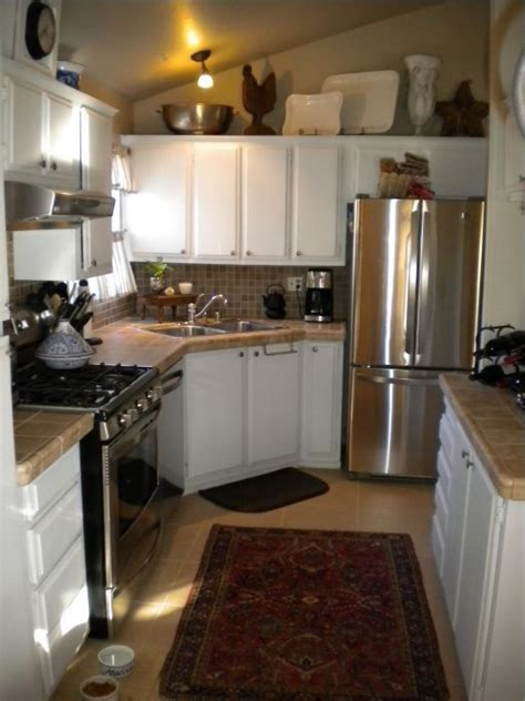 mobile home decor 17 best ideas about mobile home kitchens on pinterest