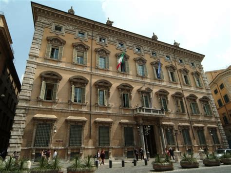 differenza e senato palazzo madama turismo roma