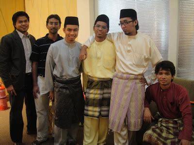 Baju Melayu Hitam Bersin yang penting rupa kongratulasi jamil evi