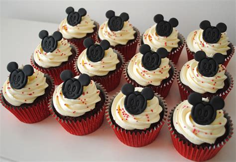 Pictures Of Christmas Decorating Ideas For The Home by Miss Cupcakes 187 Blog Archive 187 Mickey Mouse Cupcakes 12