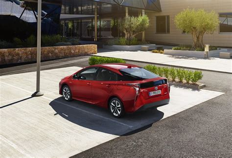 Toyota Parking New 2016 Toyota Prius Has Highest Fuel Economy Of Any
