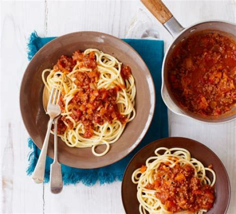 best pasta for bolognese sauce the best spaghetti bolognese recipe food
