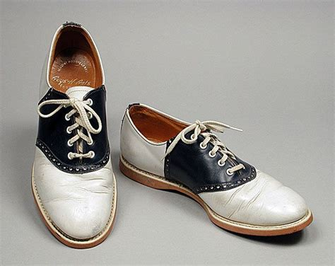 saddle oxfords shoes 25 best ideas about saddle shoes on saddle