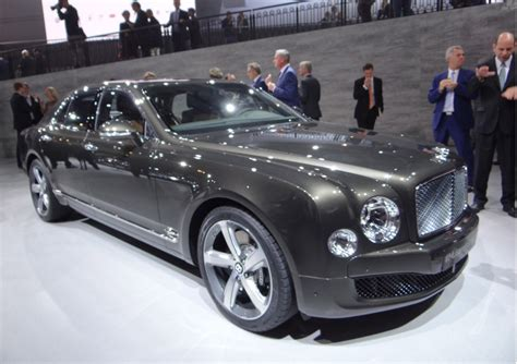 bentley mulsanne 2015 2015 bentley mulsanne speed revealed with 530 hp and 811