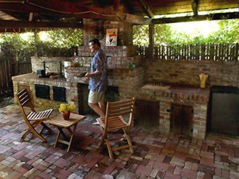 designing  outdoor kitchen diy