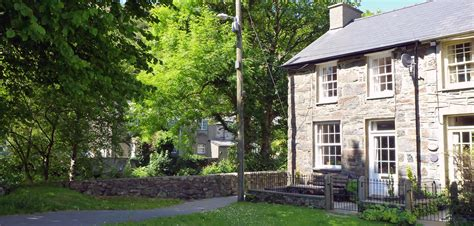 self catering cottages to let in beddgelert