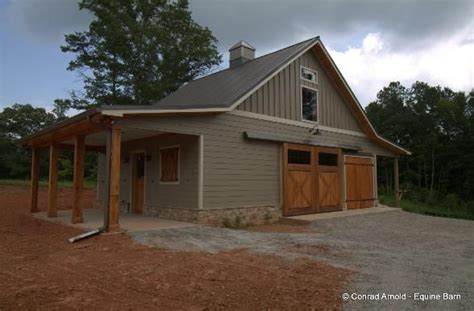 Barn And House Combo by 25 Best Ideas About Small Horse Barns On Pinterest Horse Barns Simple Horse Barns And