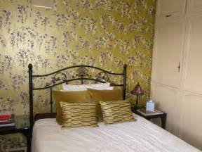 Red Valance Curtains Gold Bedroom Design Ideas Photos Amp Inspiration