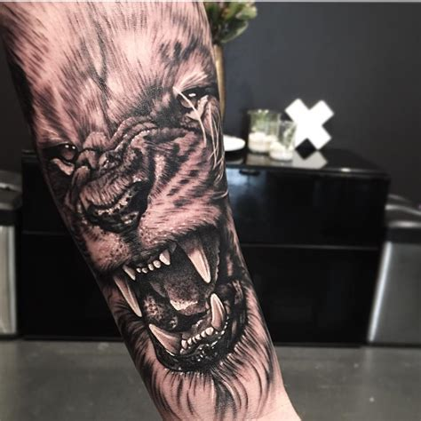 wolf arm tattoo wolf forearm