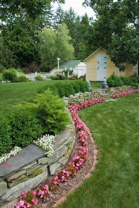 Borders For Flower Beds by Flower Bed Border Idea Outdoor Living
