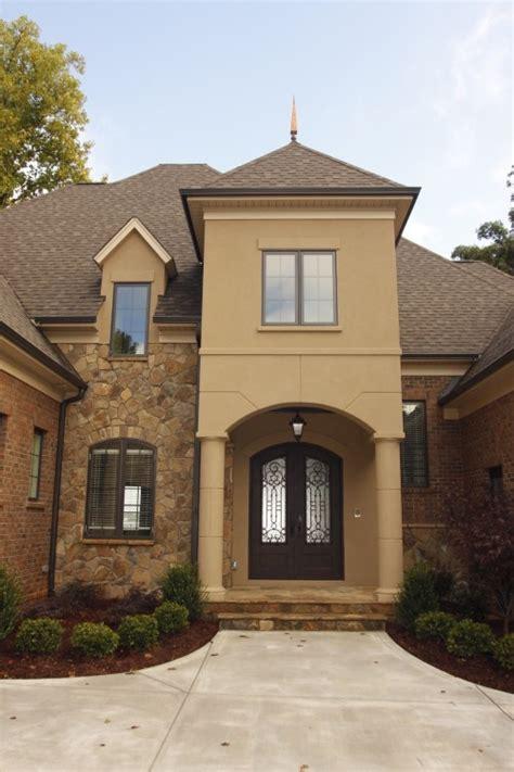 stucco color house