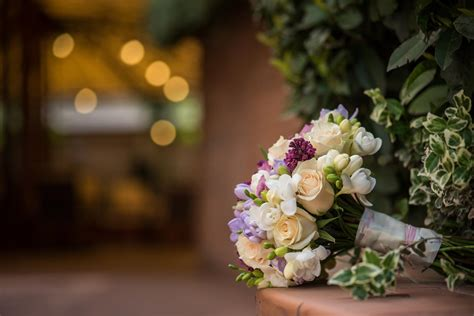 Florist Delivery by Flower Delivery And Plant Arrangement Services Of