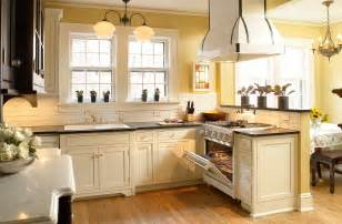 Kitchen Colors With Cream Cabinets by Cream Kitchen Cabinets Trends Furniture With A Soft Color