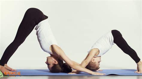 imagenes yoga en familia retiro de yoga con ni 209 os