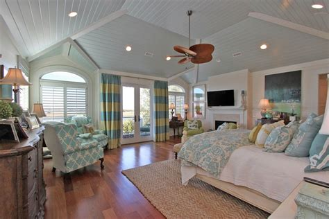 Cottage Ceiling Ideas by 7 Stunning Shiplap Decor Designs To About