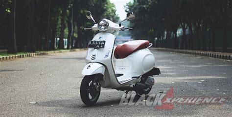 Modifikasi Jok Vespa Primavera by Vespa Primavera Modern Classic Scooter Blackxperience