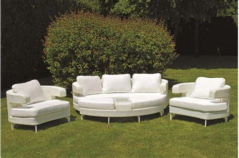 salon de jardin en resine blanc salon de jardin blanc en r 233 sine adda salon de jardin pas cher