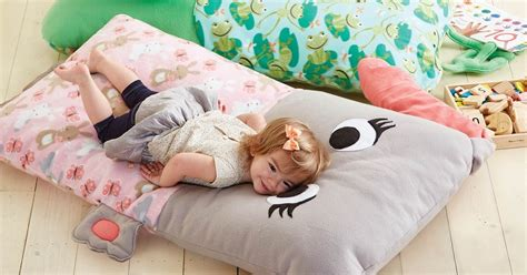 pillow bed for kids craftdrawer crafts easy to sew free bed pillow pattern