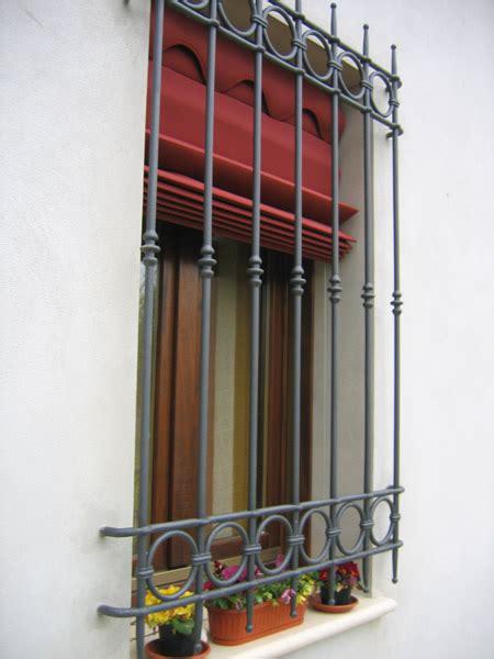 ringhiera per finestra ringhiera per finestre inside siroli tende tendaggi e