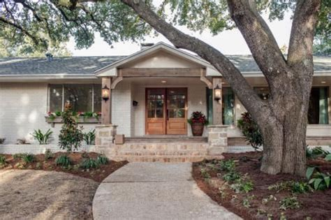 chip and joanna gaines houses best 25 ranch exterior ideas on pinterest ranch homes exterior brick exterior makeover and