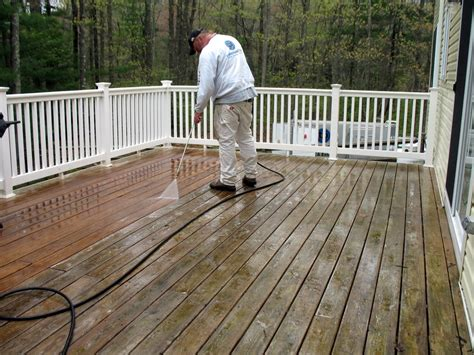 deck staining  massachusetts  painting deck