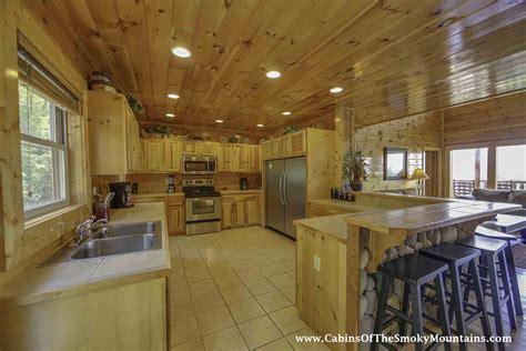 6 bedroom cabins in gatlinburg gatlinburg cabin vista lodge 6 bedroom sleeps 22