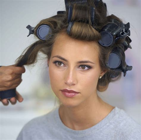 short hair and rollers how to get sexy waves with hot rollers