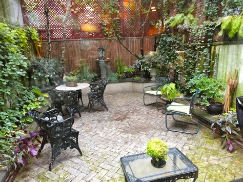 landscaping small backyards townhouse 14 best townhouse backyard ideas images on pinterest
