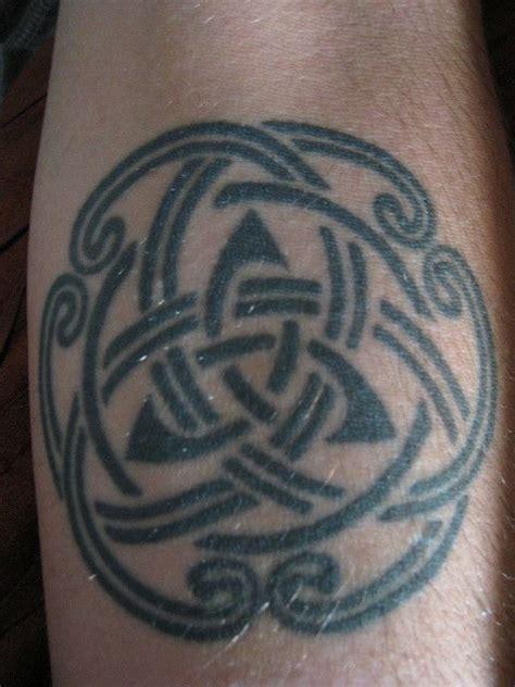tribal triquetra tattoo celtic knot ideas celtic tribal