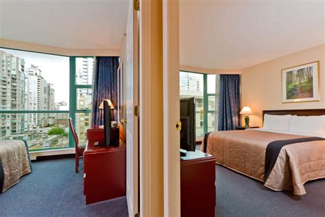 hotels with two separate bedrooms vancouver accommodations rooms at rosedale on robson