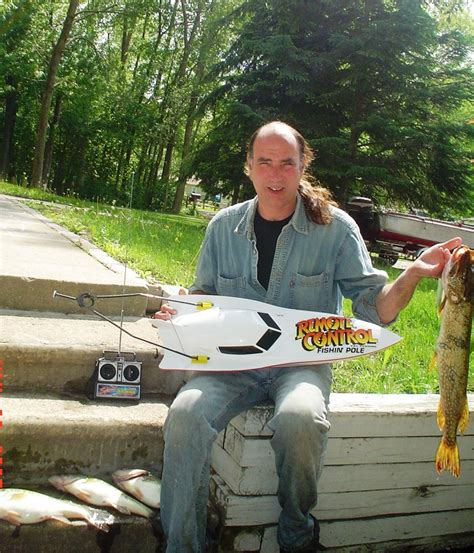 rc boats for fishing fishing with remote control boats bait boats and rc fishing