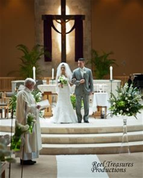 34 best church indoor wedding decor images on 34 best church indoor wedding decor images getting