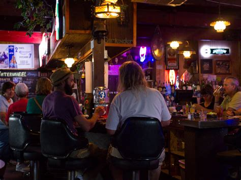 top 10 bars in seattle the best dive bars in seattle