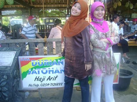 cerita hani durian jatohan haji arif